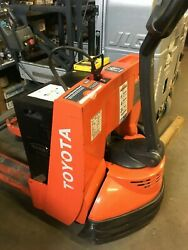 Toyota Electric Walk Behind Pallet Jack Truck In Excellent Condition