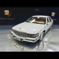Original 118 Cadillac Fleetwood White Vehicle Diecast Car Model Collection Gift