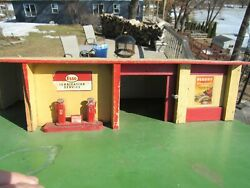 Vintage O.d Product Of Scotland Esso Gas Service Station Wooden Toy Set