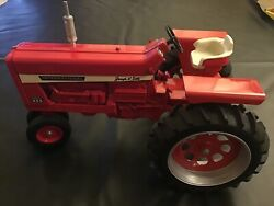 International Farmall 856 Die Cast Metal Tractor 1/8 Scale Signed By Joseph L Er