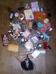 Assorted Vtg. Kitchen Refrigerator Magnet Lot + Shabby Chic/queen/fob/keychains