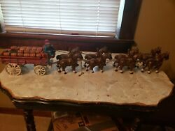 Cast Iron 8 Clydesdale Horses Beer Wagon W/ 28 Barrels Riders Dog - Budweiser