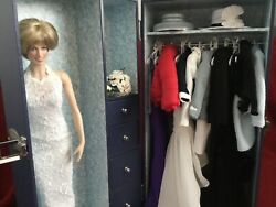 Princess Diana Doll - Franklin Mint Case Trunk, 12 Outfits And Accessories Look