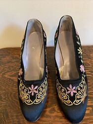 Vintage 1930andrsquos Black Satin Embroidered Floral Butterfly Shoes Size 4/4.5