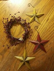 3 Metal Stars-4 And Small Wreath With Berries And Metal Stars-8 Euc Decor.