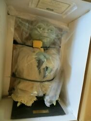 Star Wars 9500 Limited Yoda Life-size Figure - 477 Of 9500
