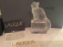 LALIQUE CAT FIGURINE ON CLEAR FROSTED BASE SIGNED MADE IN FRANCE NEW