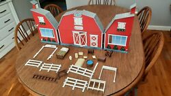 Breyer Horse Barn Stable Foldable Red Plastic shipping included