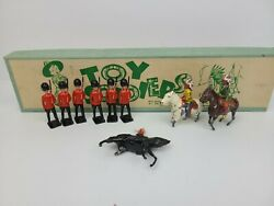 Vintage Britains No. 2 Toy Soldiers S Series Metal Toys 137s Footguards Guards