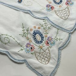 """VTG White 52"""" X 49"""" Embroidered Table Cloth Square Flower Basket Floral"""