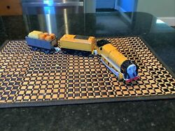 2004 Tomy Murdoch Thomas The Trackmaster Motorized Train With Troublesome Trck