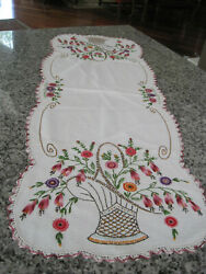 ANTIQUE HAND EMBROIDERED DRESSER SCARF TABLE RUNNER EDGED BASKET FLOWERS 1940#x27;S