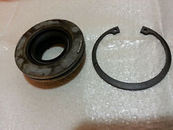 1974-1986 Evinrude Johnson 0386162 Crankcase Head Cap And Seal And Snap Ring 40 Hp