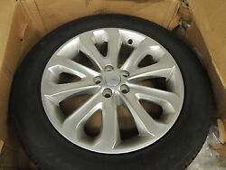 2016 Land Rover Hse 20silver Oem Wheel With Goodyear Tire
