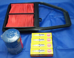 For Honda Civic 1.4 / 1.4i Eu7 01-05 Service Kit Oil / Air Filter And Spark Plugs