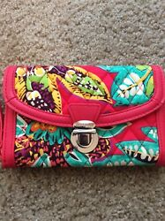 VERA BRADLEY Preowned Woman's Red Floral Wallet Wristlet