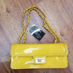 Authentic Chanel Patent Leather Designer Luxury Handbag (New Cond) Lot 15