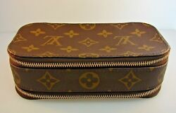 CHIC Louis Vuitton Logo Leather Cosmetic Bag
