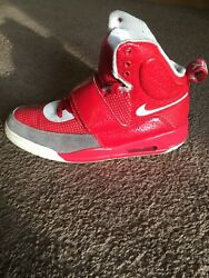 2009 Nike Yeezy Kanye West Red White High Top Size 11 Pre Owned Good Shape