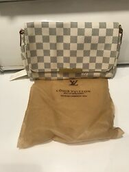 Brand NEW! Ladies CLUCH Purse bag * Gray & White * Checker design LK