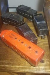 Marx Southern Pacific 6000 Toy Train Engine With 4 New York Central Coal Cars