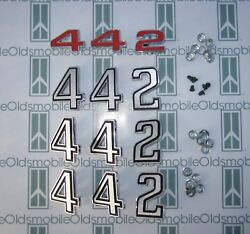1972 Olds Cutlass 442 Grill Fenders And Trunk Emblem Set With Hardware