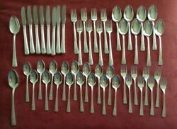 Rogers Silverplate Is Louisiane 1938 8 Place Settings + 2 Serving Spoons