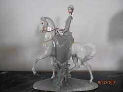 Fabulous Lladro Woman Riding Horse 4516 Collectible Figurine 18 Tall