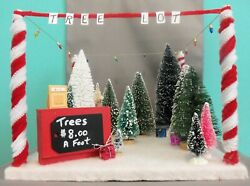 Dollhouse Miniature Tree Lot Roombox Scenario
