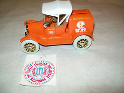 Ertl B061ua University Of Tennessee 2 Le 1918 Runabout Bank 125 Scale Mib