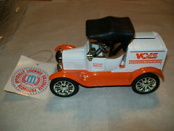Ertl 9935 University Of Tennessee 1 L.e. 18 Runabout Bank 125 Scale Mib