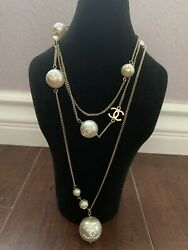 Auth Crystal Pearl Embellished Cc Logo Necklace 2008 Collection