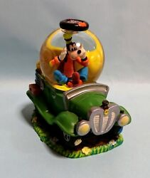 Disney Store Japan Goofy And Car Snow Globe Fig Dome Ornament