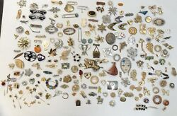 Lot Of Over 200 Costume Jewelry Brooches, Pins, And Clips - Various Conditions