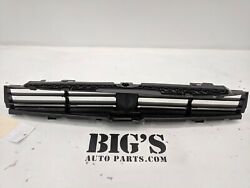 2017 - 2019 Bmw 530i 540i 5 Series Lower Active Shutter Grille Oem Used 848410