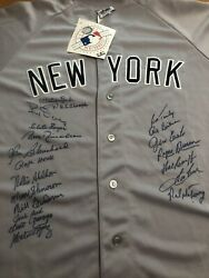 1961 YANKEES TEAM SIGNED AUTOGRAPHED MAJESTIC JERSEY 19 Signatures  SGC Cert
