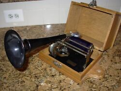 Columbia Graphophone Type Q Cylinder Phonograph - With Case And Booklet - Works