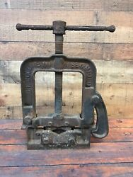 """Antique 1900s Columbian Vise And Mfg. Co. 164x Hinged Pipe Vise 20"""" Tall"""