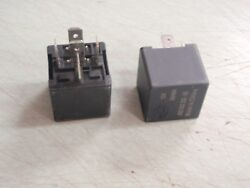Trim Tilt Relay Volvo Penta 831725 1504952 15049521 831725-7 876039 Pair 57 R952