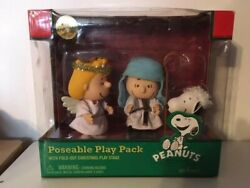Peanuts Linus, Sally And Snoopy Nativity Pageant Articulated Action Figure Set