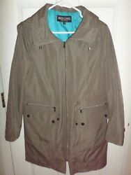 Simon Chang Womenand039s Olive Green Coat Size 8