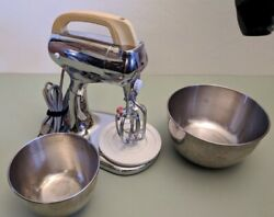 1938 Hamilton Beach 10-speed Stand Mixer With Two Original Stainless Steel Bowls
