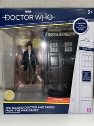 Doctor Who Classic Tardis Figure Set The Second 2nd Doctor The War Games