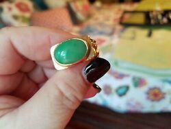 Vintage Heavy 14k Gold Apple Green Jade Ring. Size 7.5 Gold Is Solid-16.5 Grams