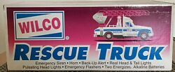 1995 Williams Oil Co Wilco Rescue Wrecker Tow Truck Nib Lights Up +horn And Siren