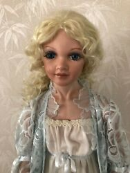 Collectable Porcelain Dolls, Daisy Garlands Wedding, 30