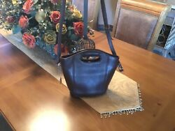 Vintage Coach brown bucket bag $50.00