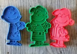 Hallmark Vtg Cookie Cutters Peanuts Charlie Brown, Lucy, Snoopy And Linus Vintage