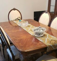 Drexel Heritage Full Dining Room Table, Chairs And Hutch