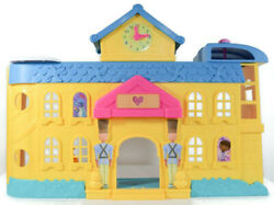 Disney Junior Doc Mcstuffins Hospital Playset Toy Only Doll House No Helicopter